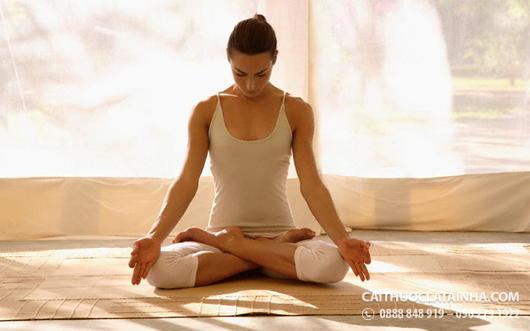 bỏ-thuoc-la-bang-yoga